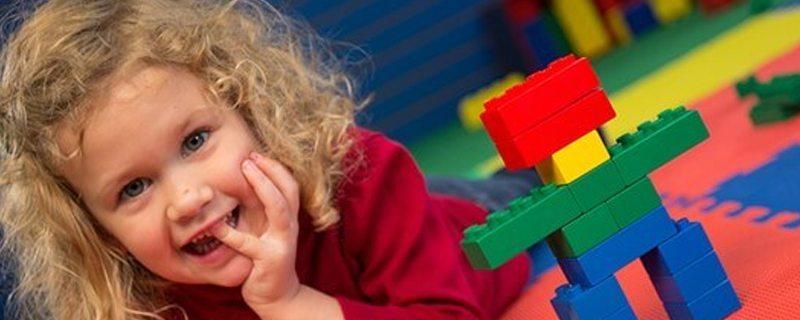Jesteś zajętym rodzicem? Oto kilka krótkich ćwiczeń matematycznych, które możesz zrobić ze swoim przedszkolakiem.